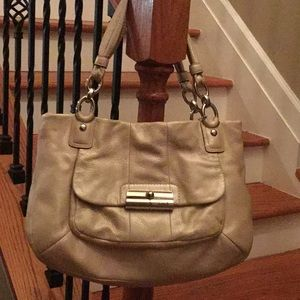 Coach limited Edition Kristin Eastwest ziptote 🎀